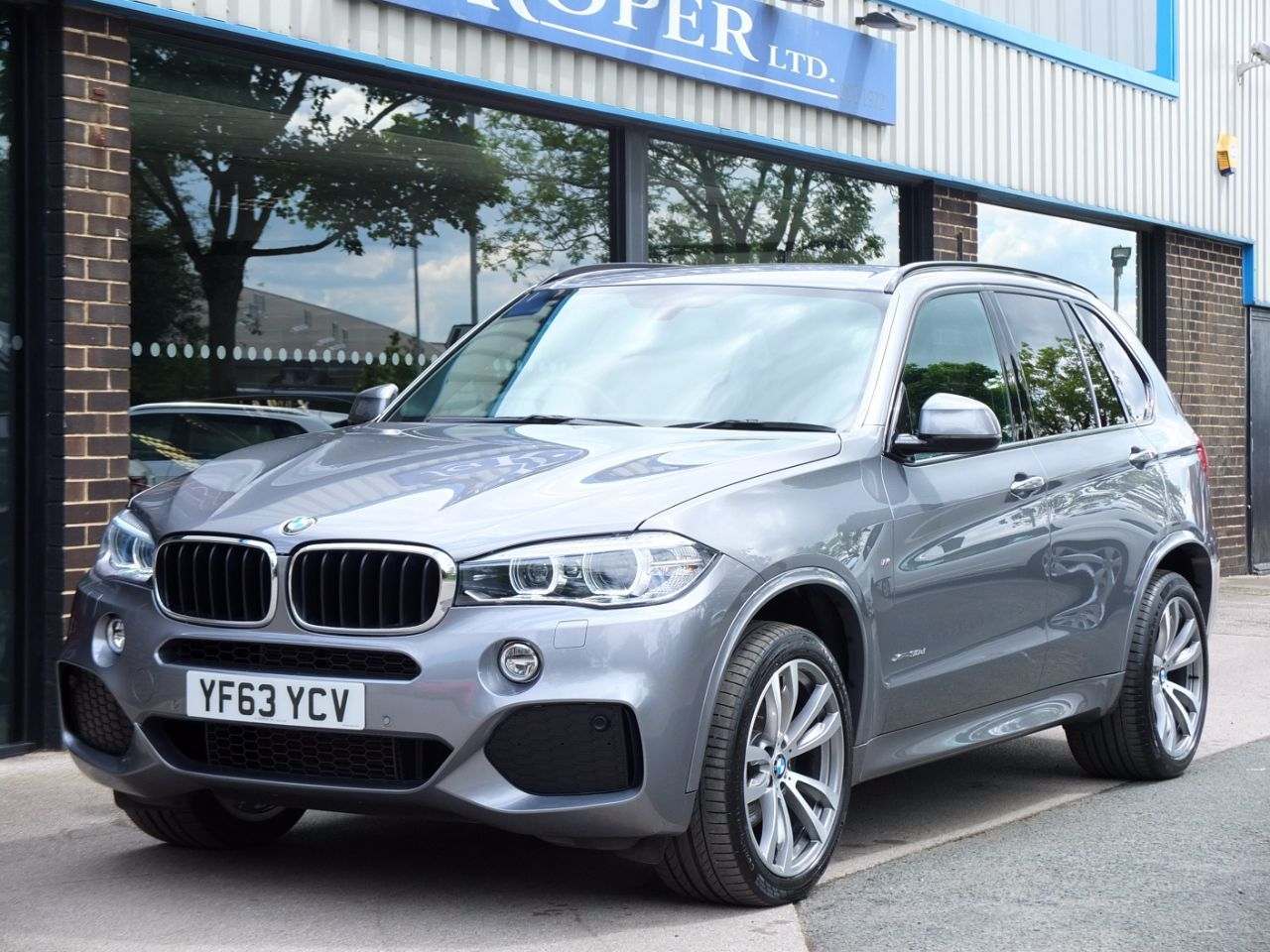 BMW X5 3.0 xDrive30d M Sport Auto [7 Seat] Estate Diesel Space Grey Metallic