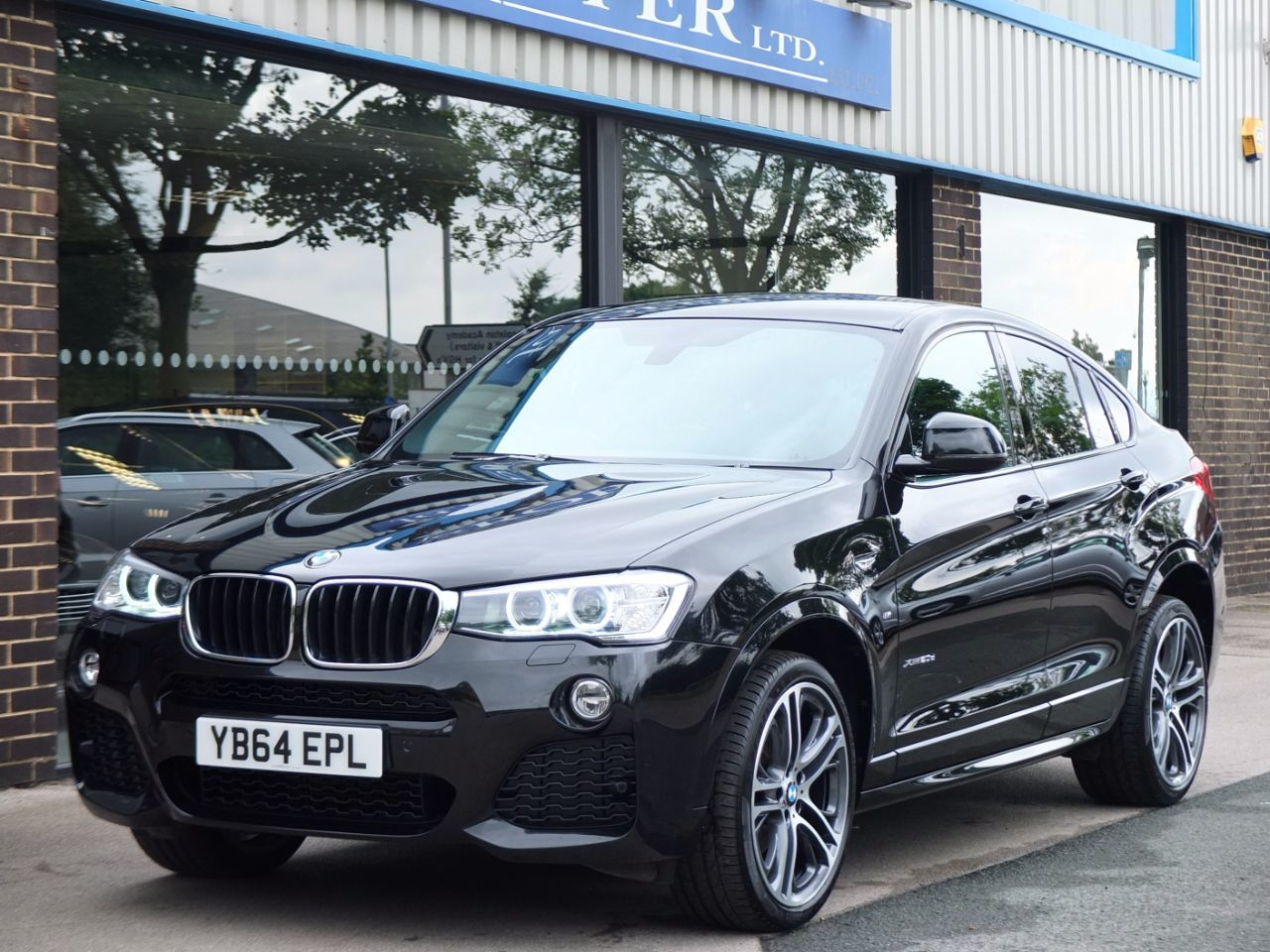 BMW X4 2.0 xDrive20d M Sport Plus Auto Coupe Diesel Black Sapphire MetallicBMW X4 2.0 xDrive20d M Sport Plus Auto Coupe Diesel Black Sapphire Metallic at fa Roper Ltd Bradford