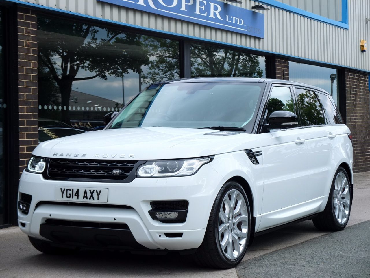 used land rover range rover sport 3 0 sdv6 hse dynamic auto for sale in bradford west yorkshire. Black Bedroom Furniture Sets. Home Design Ideas