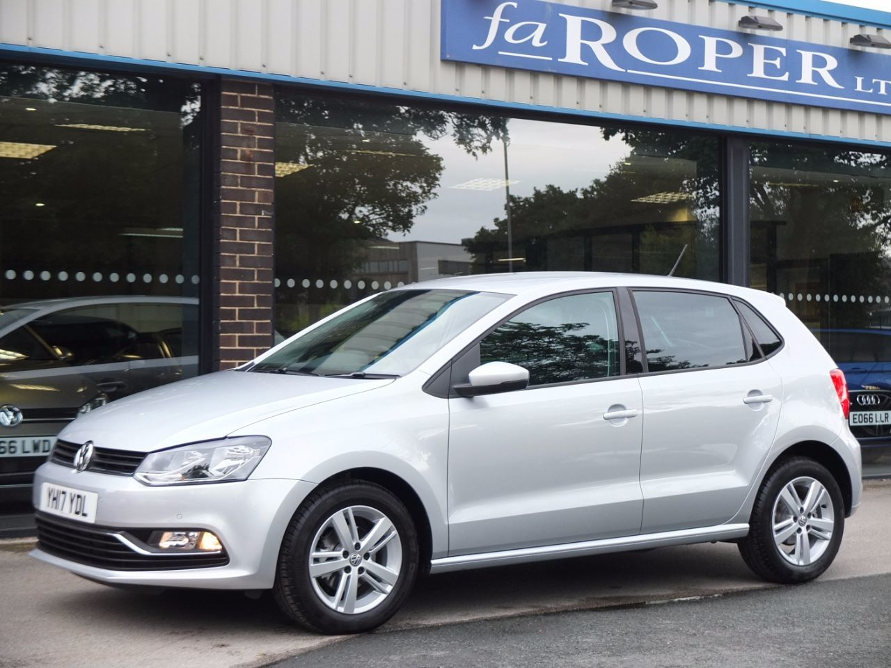 Volkswagen Polo 1.2 TSI Match Edition 5 door Hatchback Petrol Reflex Silver Metallic