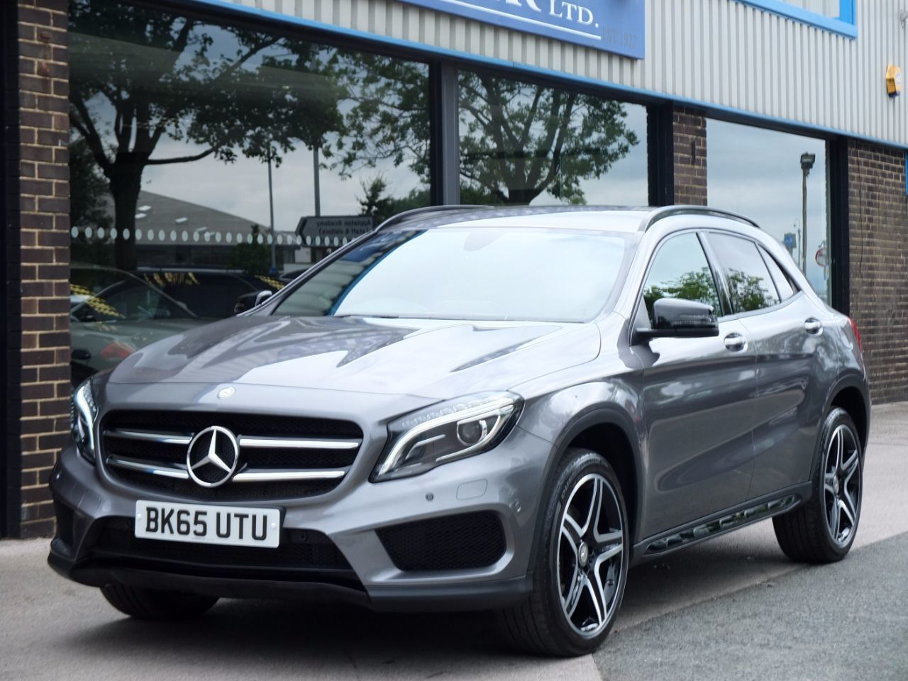 Mercedes-Benz Gla Class 2.1 GLA 220d 4Matic AMG Line Auto [Premium] Estate Diesel Mountain Grey MetallicMercedes-Benz Gla Class 2.1 GLA 220d 4Matic AMG Line Auto [Premium] Estate Diesel Mountain Grey Metallic at fa Roper Ltd Bradford
