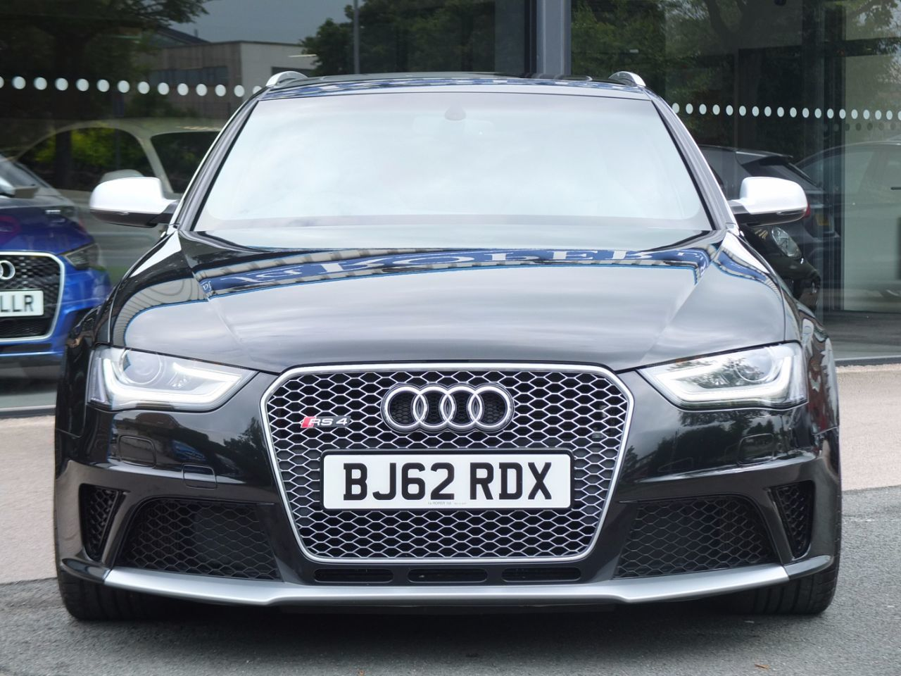 Audi RS4 Avant 4.2 FSI quattro S tronic Estate Petrol Phantom Black Metallic