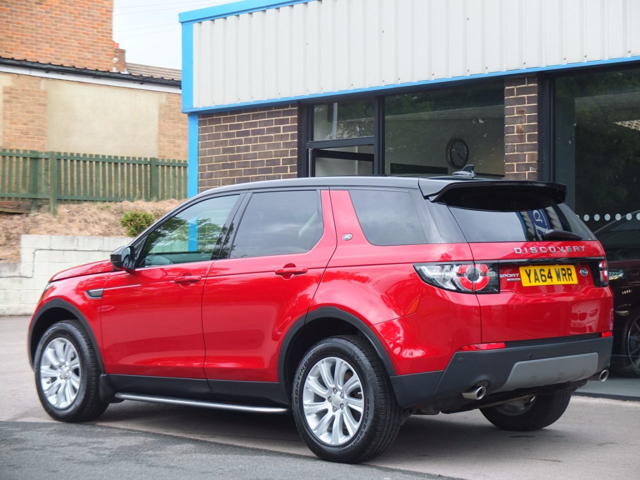 Land Rover Discovery Sport 2.2 SD4 SE Tech (Panoramic Roof) Estate Diesel Firenze Red
