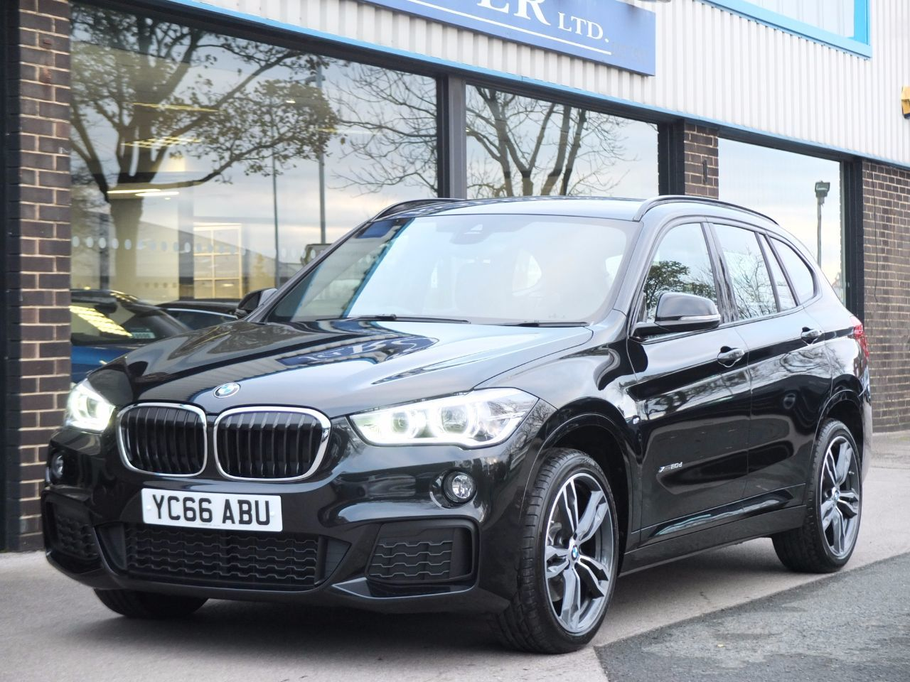 BMW X1 2.0 xDrive 20d M Sport Step Auto (Navigation Plus Pack, 19in Alloy Wheels) Estate Diesel Black Sapphire Metallic