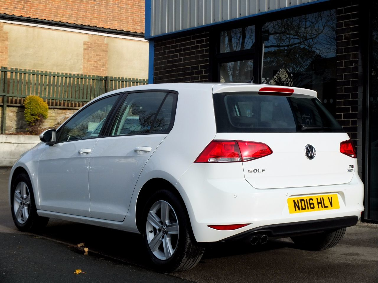 Volkswagen Golf 1.4 TSI 125 BlueMotion Tech Match Edition 5dr (start/stop) Hatchback Petrol Pure White