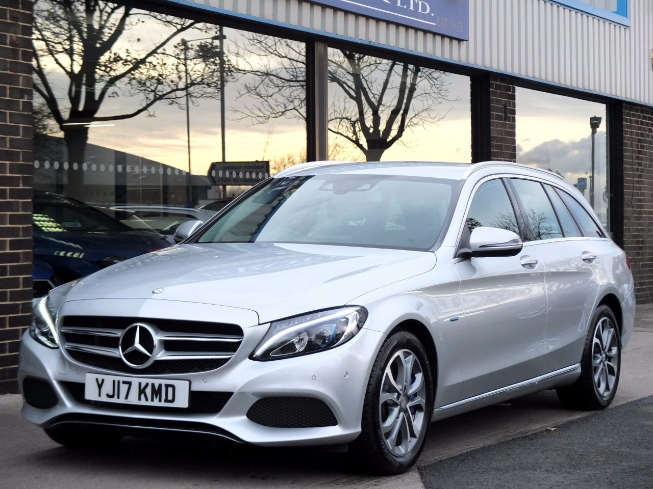 Mercedes-Benz C Class 2.0 C350e Sport PHEV (Electric Plug In Hybrid) Estate Auto Estate Hybrid Iridium Silver MetallicMercedes-Benz C Class 2.0 C350e Sport PHEV (Electric Plug In Hybrid) Estate Auto Estate Hybrid Iridium Silver Metallic at fa Roper Ltd Bradford