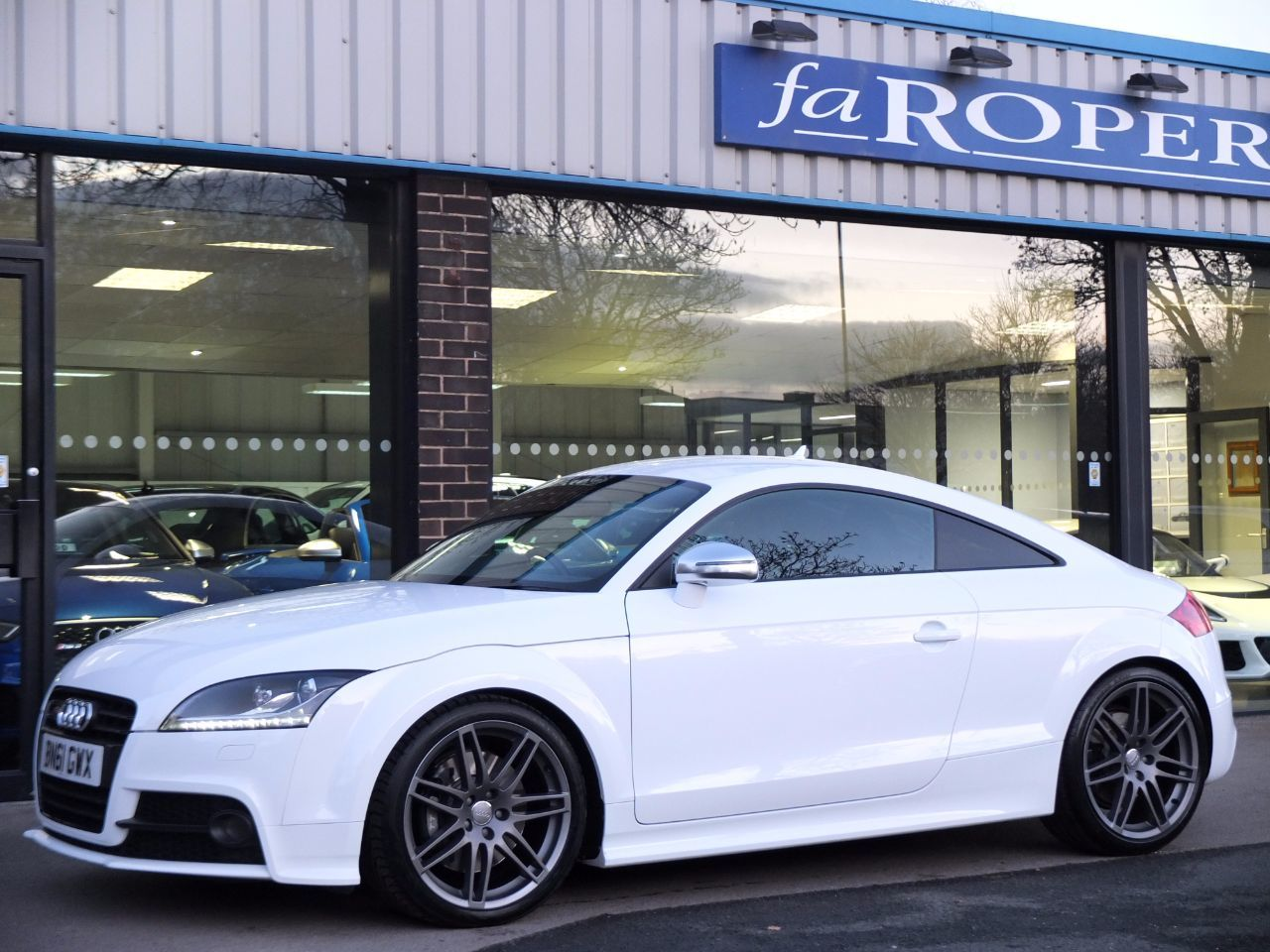 Audi TT 2.0 TTS Coupe quattro Black Edition S tronic 272ps Coupe Petrol Ibis White