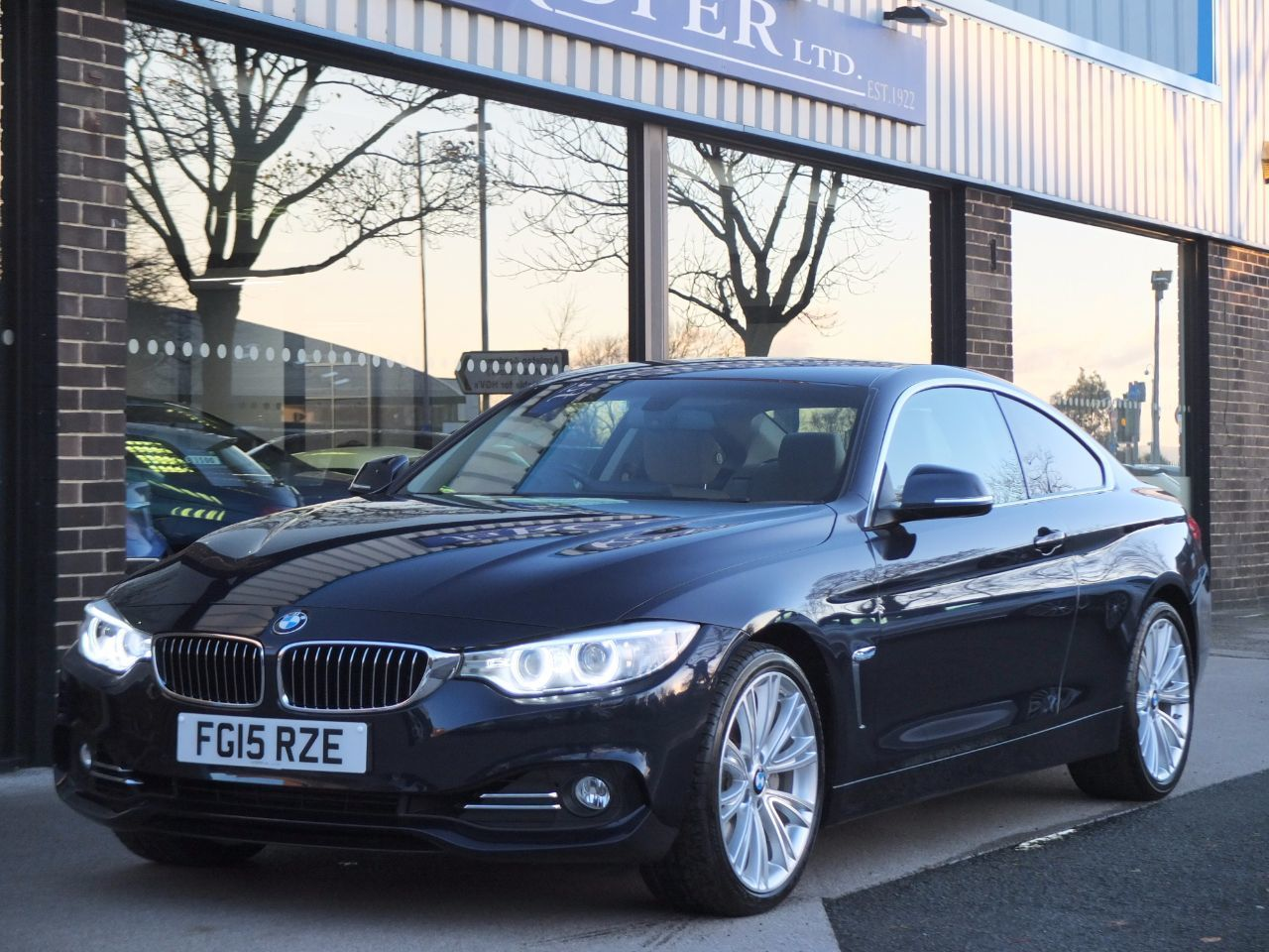 BMW 4 Series 3.0 435i Coupe Luxury Auto 306ps Coupe Petrol Imperial Blue XirallicBMW 4 Series 3.0 435i Coupe Luxury Auto 306ps Coupe Petrol Imperial Blue Xirallic at fa Roper Ltd Bradford