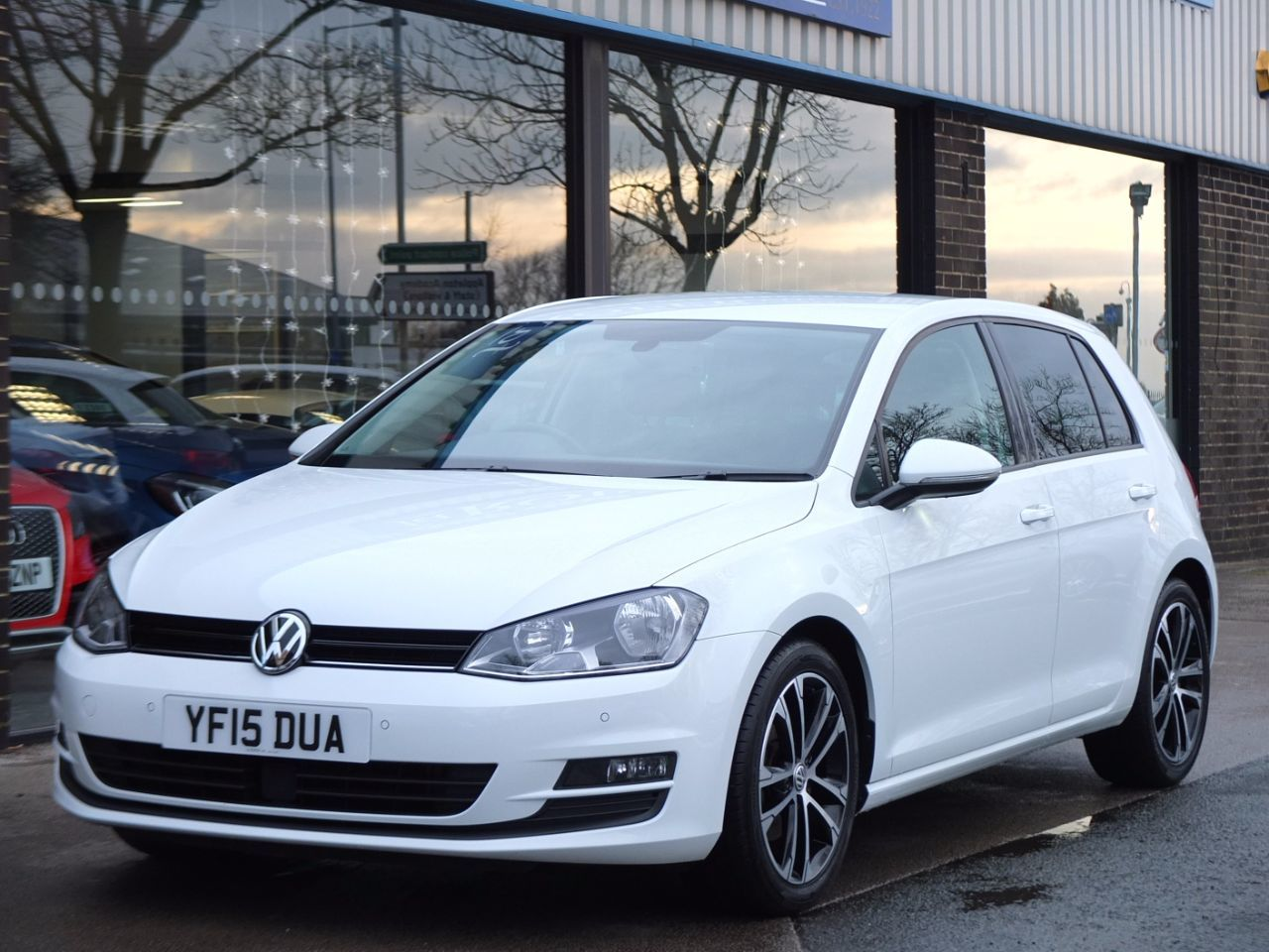 Volkswagen Golf 1.4 TSI 125ps BlueMotion Tech Match 5 door Hatchback Petrol Pure WhiteVolkswagen Golf 1.4 TSI 125ps BlueMotion Tech Match 5 door Hatchback Petrol Pure White at fa Roper Ltd Bradford