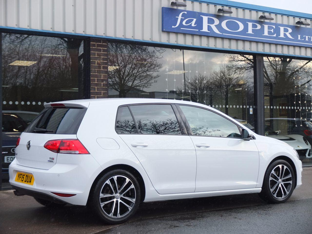 Volkswagen Golf 1.4 TSI 125ps BlueMotion Tech Match 5 door Hatchback Petrol Pure White