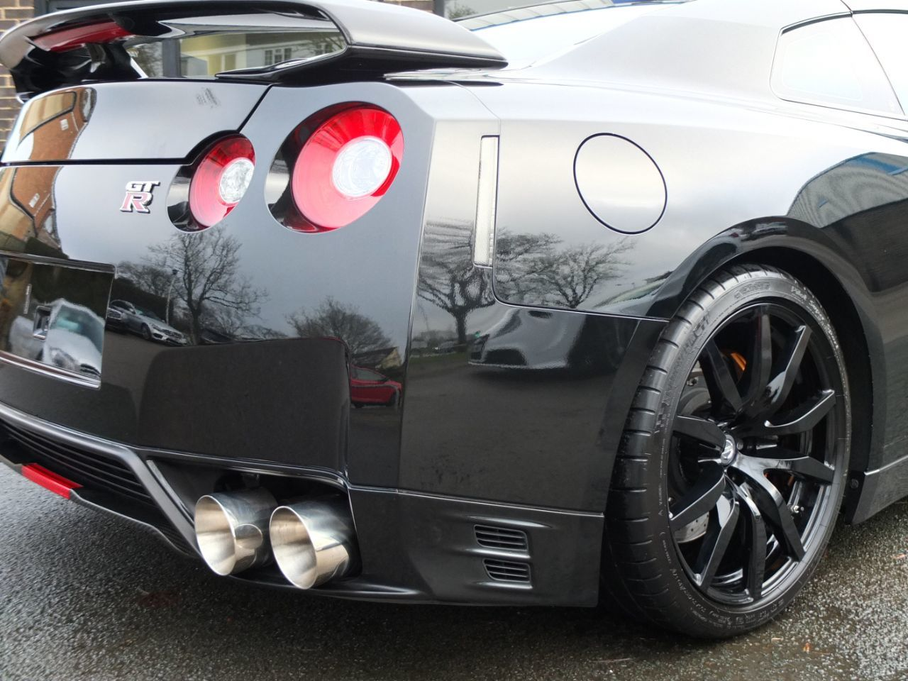 Nissan GT-R 3.8 Premium LITCHFIELD STAGE 4 653bhp Coupe Petrol Black Pearl