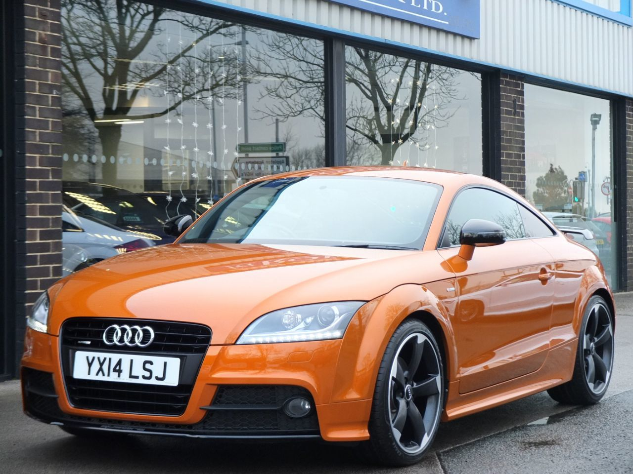 Audi TT Coupe 2.0 TDI quattro Amplifed Black Edition S tronic Coupe Diesel Samoa Orange MetallicAudi TT Coupe 2.0 TDI quattro Amplifed Black Edition S tronic Coupe Diesel Samoa Orange Metallic at fa Roper Ltd Bradford