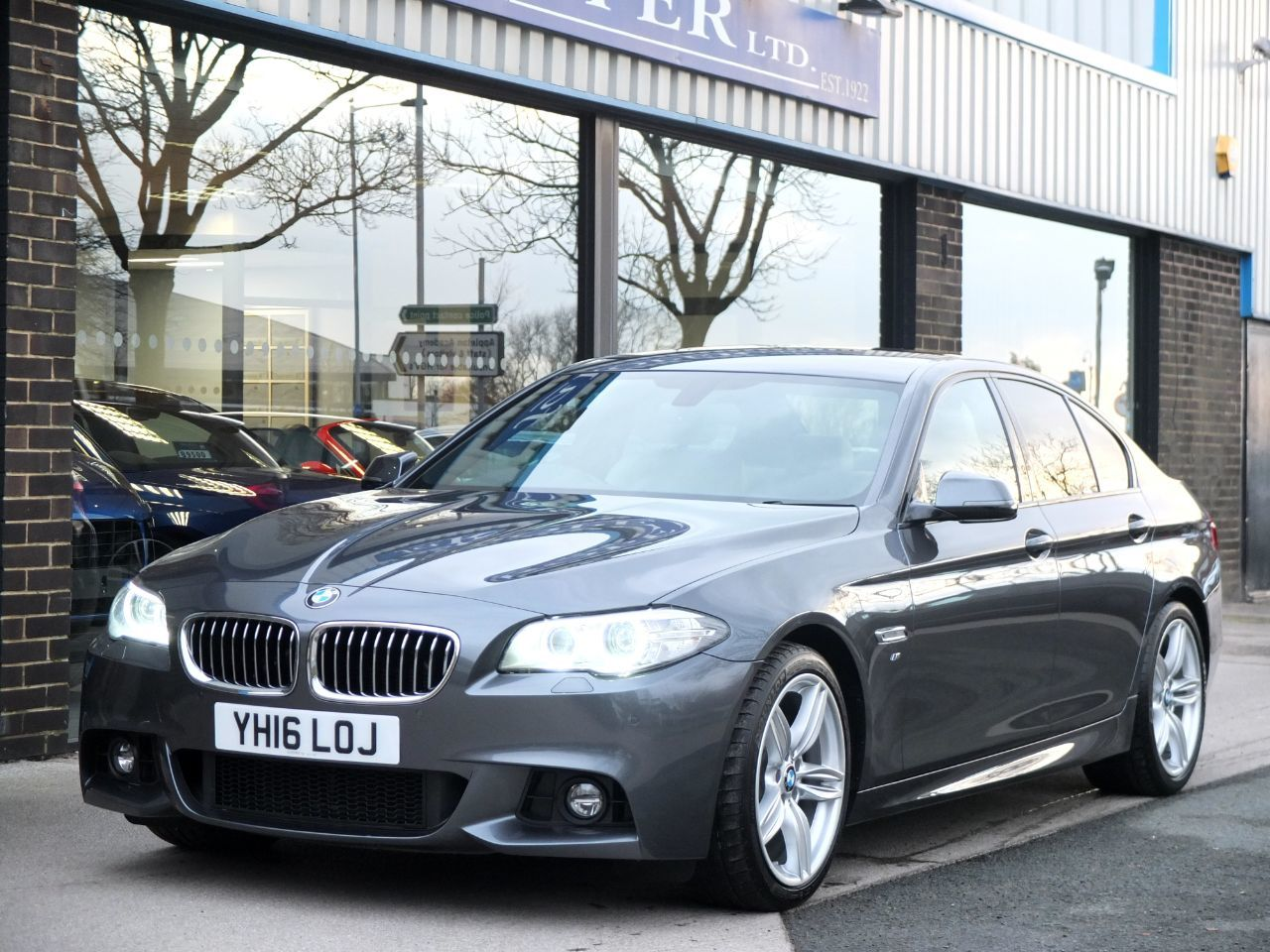 BMW 5 Series 2.0 520d M Sport Plus Pack Auto 190ps Saloon Diesel Mineral Grey MetallicBMW 5 Series 2.0 520d M Sport Plus Pack Auto 190ps Saloon Diesel Mineral Grey Metallic at fa Roper Ltd Bradford