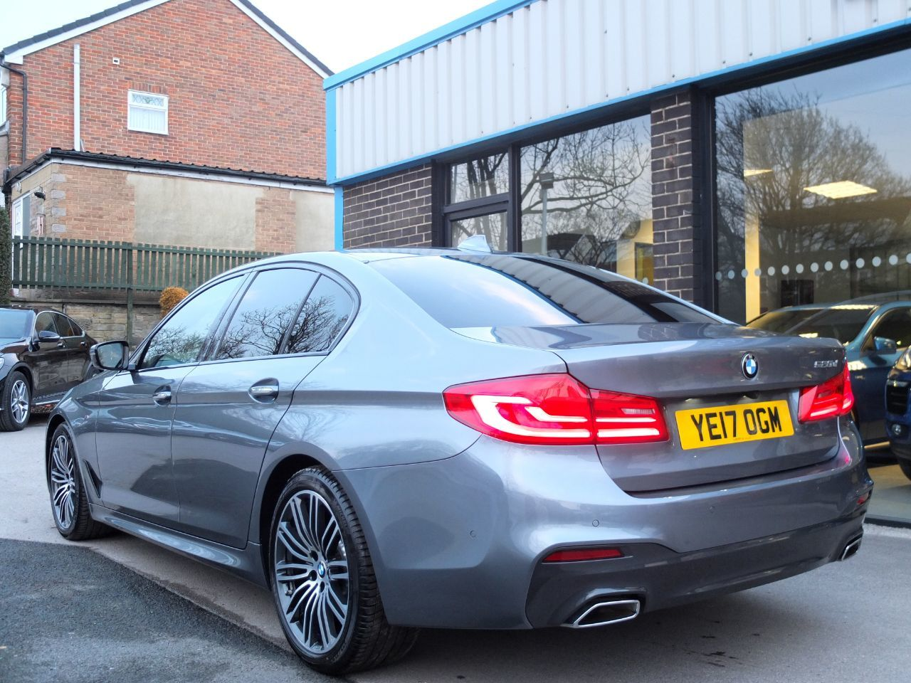 BMW 5 Series 2.0 520d M Sport Plus Pack Auto Saloon Diesel Bluestone Metallic