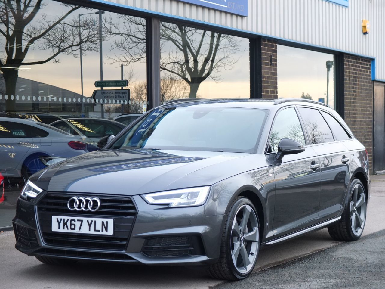 Audi A4 Avant 2.0 TDI S Line Black Edition S tronic 190ps Estate Diesel Daytona Grey MetallicAudi A4 Avant 2.0 TDI S Line Black Edition S tronic 190ps Estate Diesel Daytona Grey Metallic at fa Roper Ltd Bradford