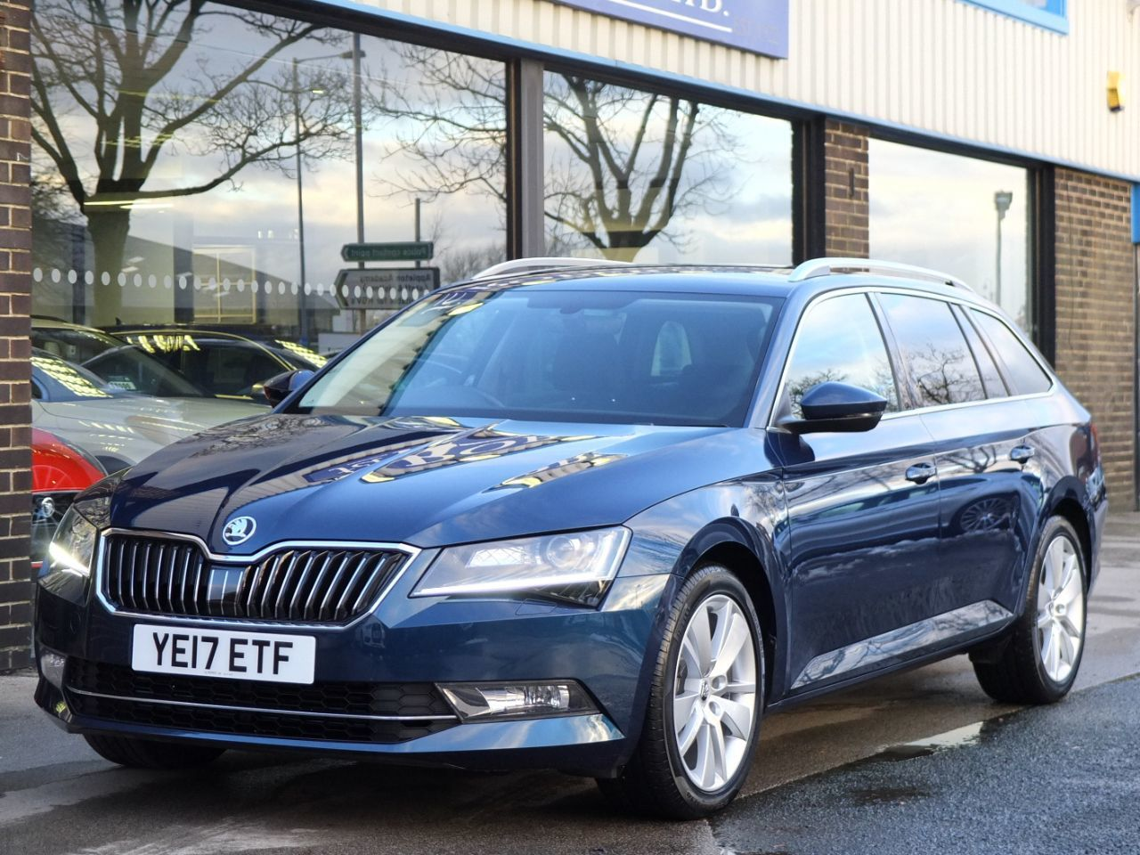 Skoda Superb Estate 1.4 TSI ACT 150ps SE L Executive DSG Auto Estate Petrol Petrol Blue MetallicSkoda Superb Estate 1.4 TSI ACT 150ps SE L Executive DSG Auto Estate Petrol Petrol Blue Metallic at fa Roper Ltd Bradford