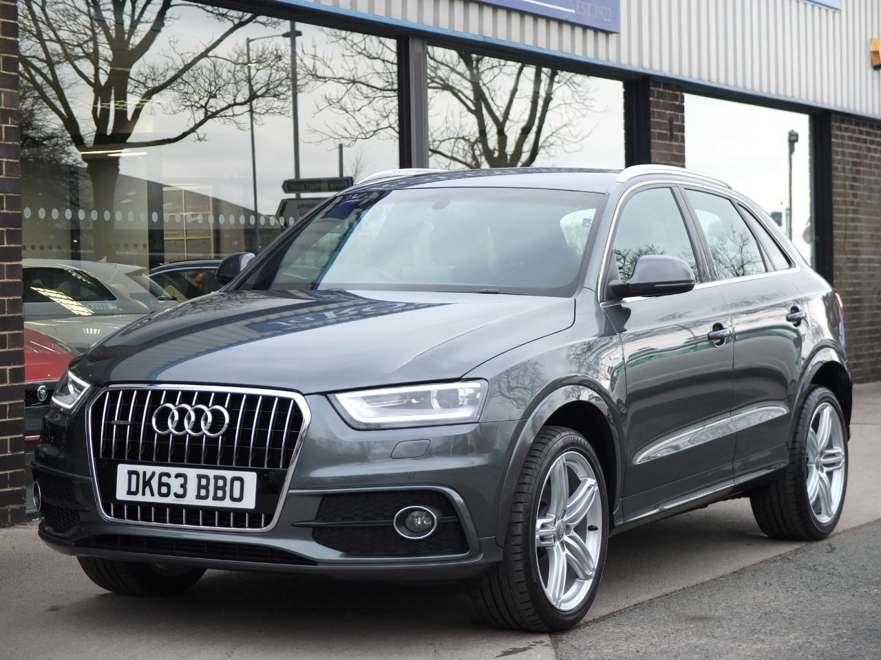 Audi Q3 2.0 TDI quattro S Line Estate Diesel Daytona Grey MetallicAudi Q3 2.0 TDI quattro S Line Estate Diesel Daytona Grey Metallic at fa Roper Ltd Bradford