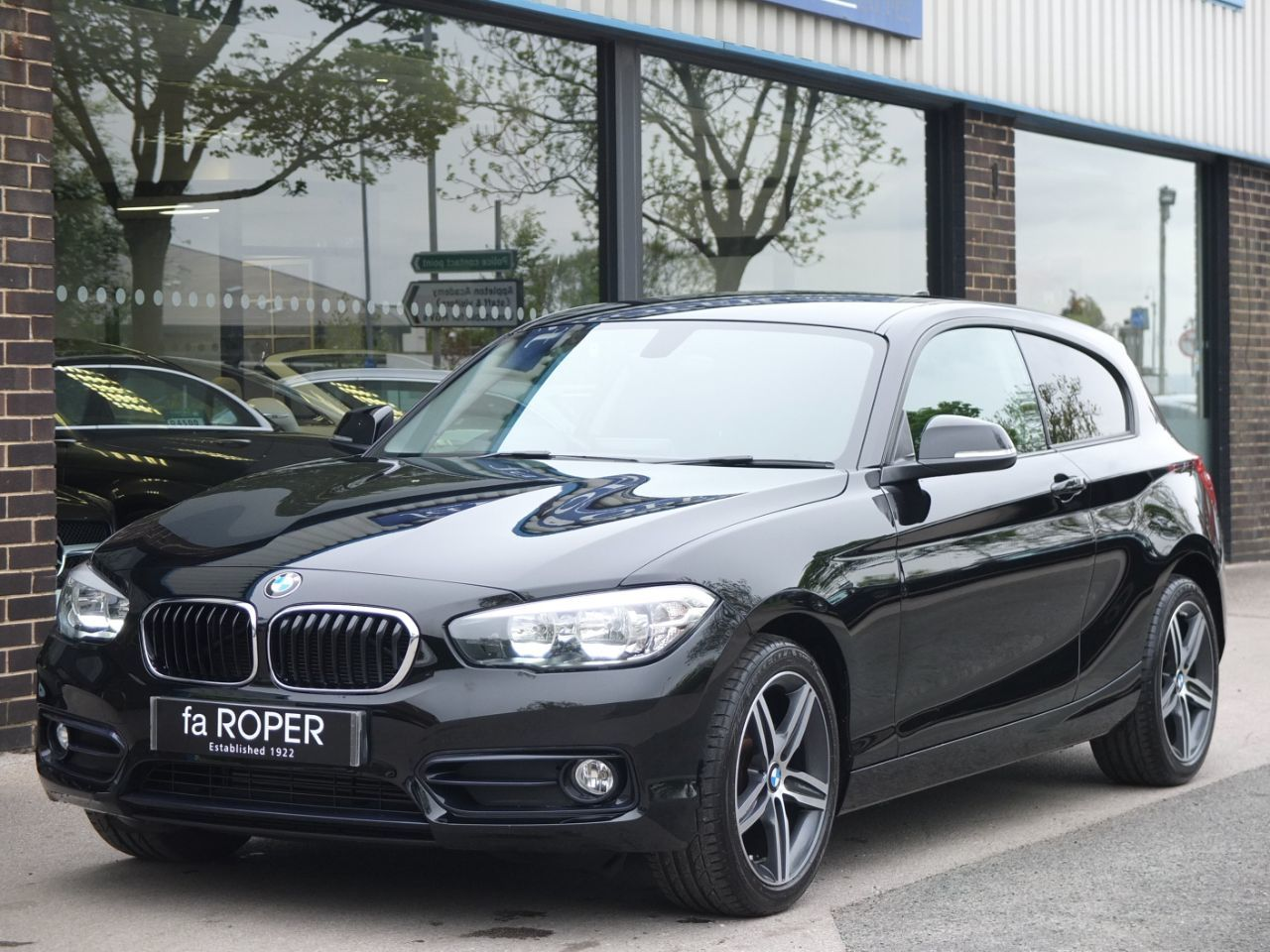 BMW 1 Series 1.5 116d Sport 3 door (Navigation) Hatchback Diesel Jet BlackBMW 1 Series 1.5 116d Sport 3 door (Navigation) Hatchback Diesel Jet Black at fa Roper Ltd Bradford