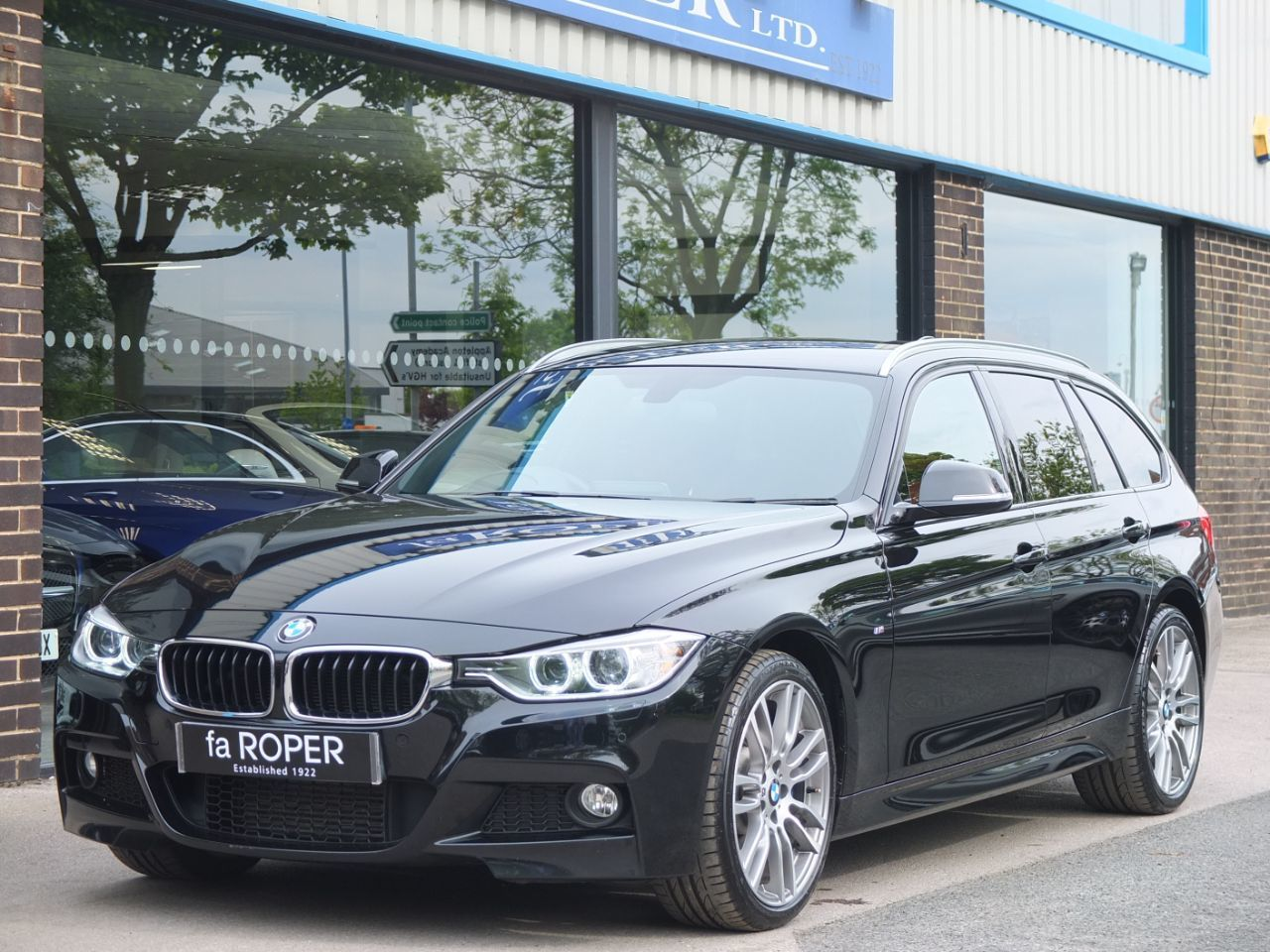 BMW 3 Series 3.0 330d xDrive Touring M Sport Plus Auto Estate Diesel Black Sapphire MetallicBMW 3 Series 3.0 330d xDrive Touring M Sport Plus Auto Estate Diesel Black Sapphire Metallic at fa Roper Ltd Bradford