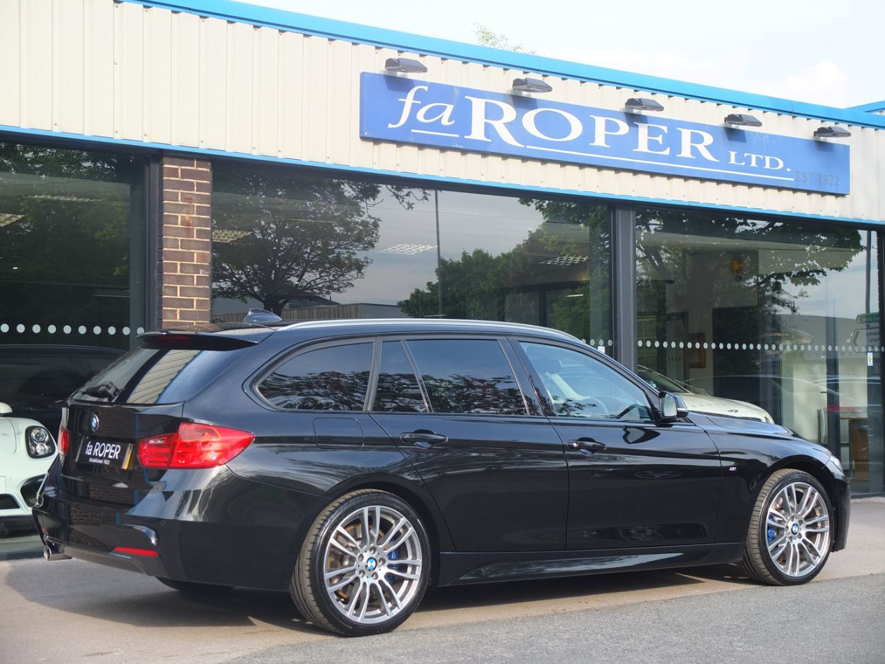 BMW 3 Series 3.0 330d xDrive Touring M Sport Plus Auto Estate Diesel Black Sapphire Metallic