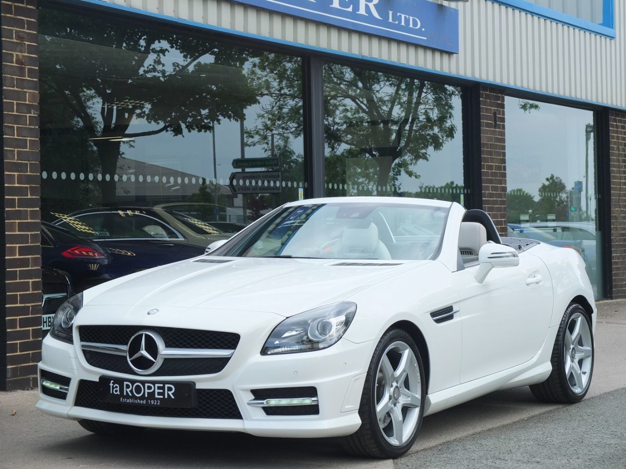 Mercedes-Benz SLK 2.1 SLK250 CDI BlueEfficiency AMG Sport Auto Convertible Diesel Polar WhiteMercedes-Benz SLK 2.1 SLK250 CDI BlueEfficiency AMG Sport Auto Convertible Diesel Polar White at fa Roper Ltd Bradford