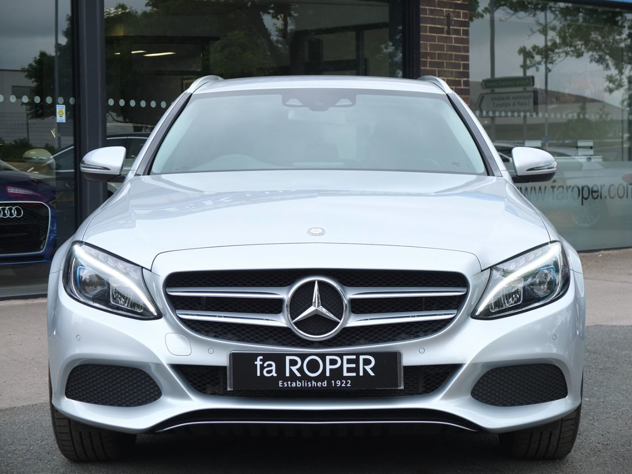 Mercedes-Benz C Class 2.0 C350e Sport Estate PHEV Auto Estate Petrol / Electric Hybrid Iridium Silver Metallic
