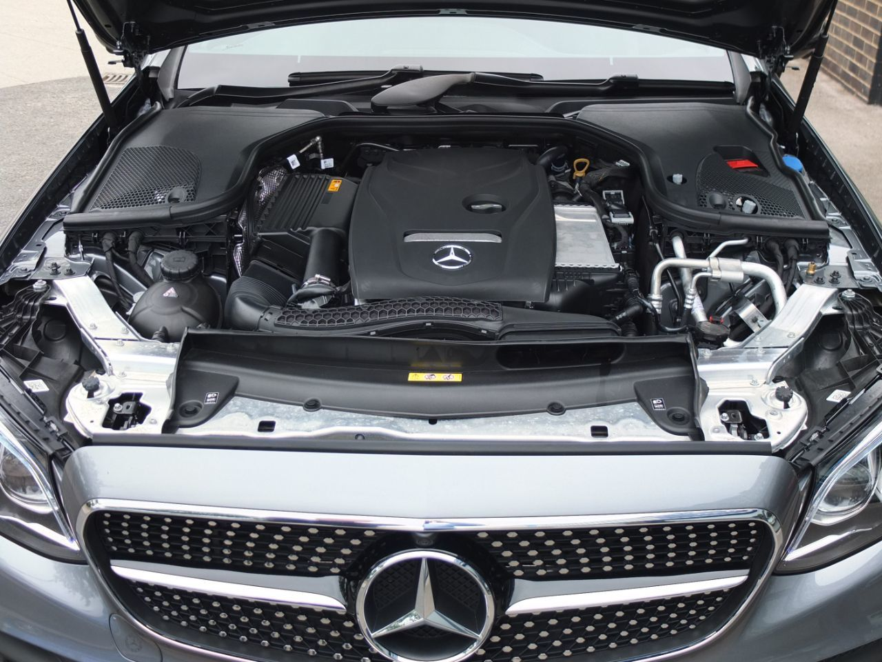 Mercedes-Benz E Class 2.0 E300 AMG Line Premium Plus Coupe 9G-tronic Coupe Petrol Selenite Grey Metallic