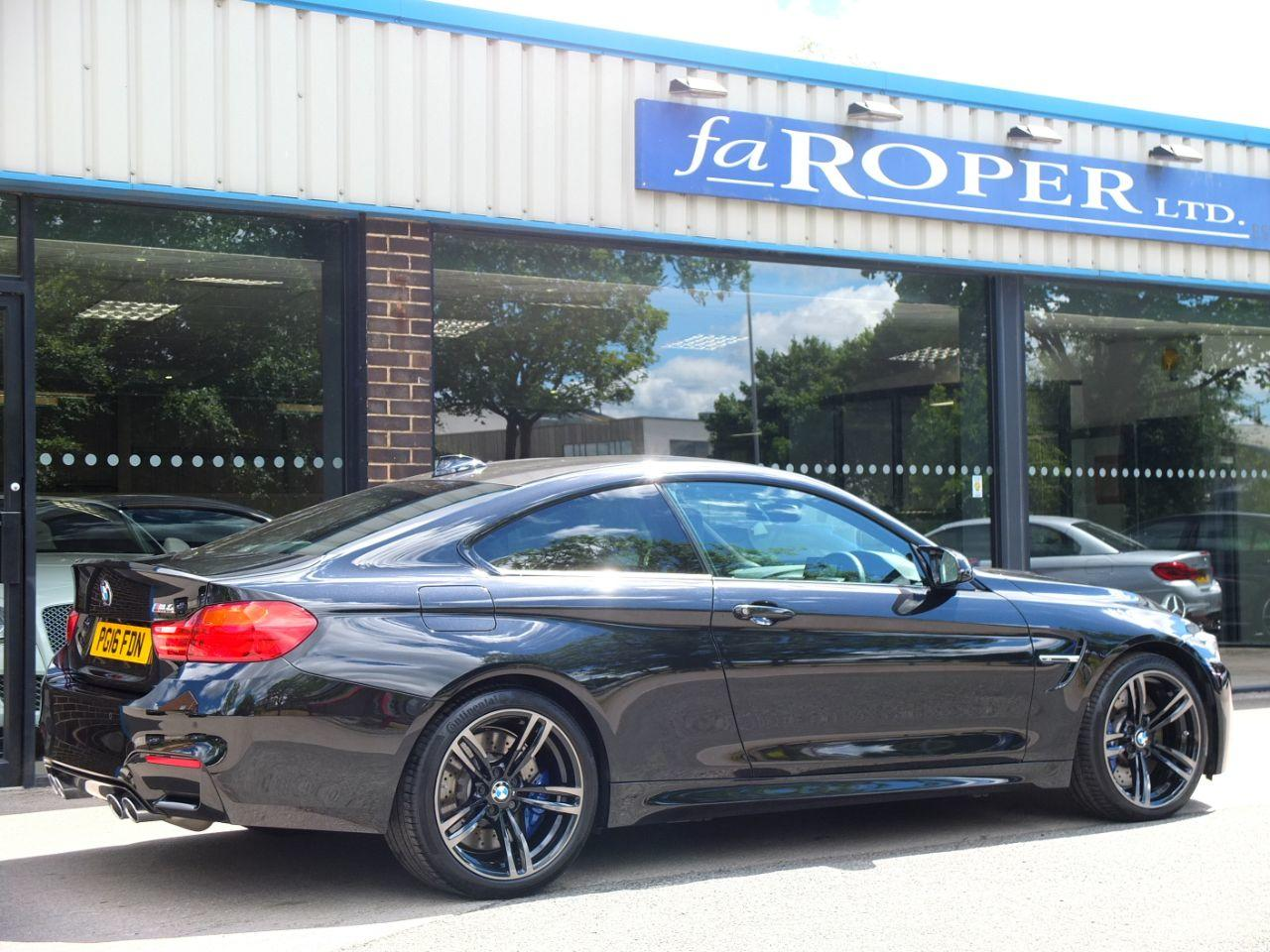 BMW M4 3.0 M4 Coupe DCT Coupe Petrol Black Sapphire Metallic