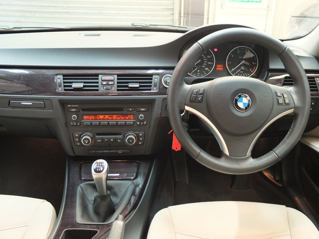 BMW 3 Series 2.0 318i Exclusive Edition Saloon Petrol Bluewater Metallic
