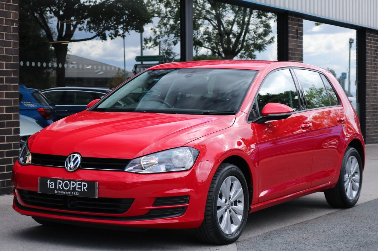 Volkswagen Golf 1.6 TDI 105 SE 5 door DSG Hatchback Diesel Tornado RedVolkswagen Golf 1.6 TDI 105 SE 5 door DSG Hatchback Diesel Tornado Red at fa Roper Ltd Bradford