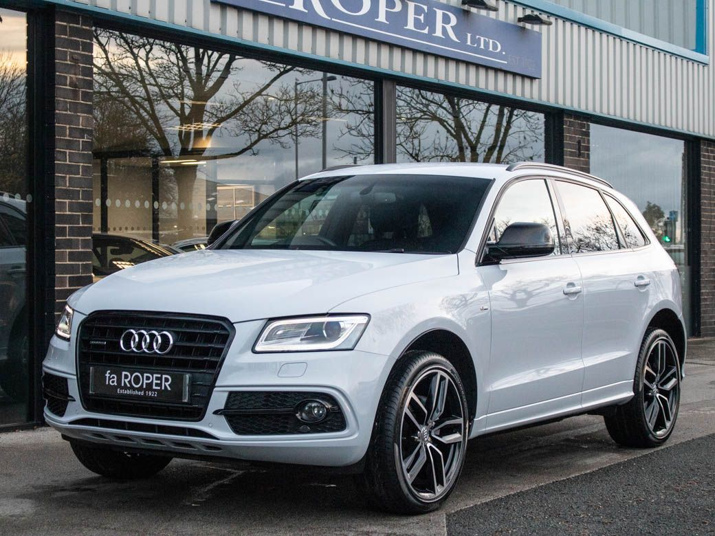 Audi Q5 2.0 TDI quattro S Line Plus S-tronic 190ps Estate Diesel Suzuka Grey MetallicAudi Q5 2.0 TDI quattro S Line Plus S-tronic 190ps Estate Diesel Suzuka Grey Metallic at fa Roper Ltd Bradford