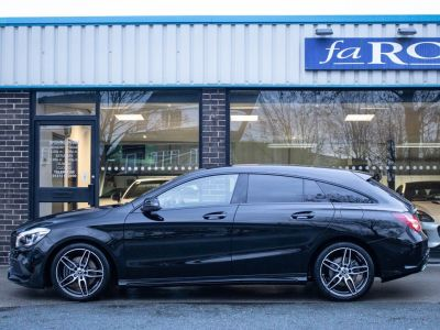 Mercedes-Benz Cla Class 2.1 CLA Shooting Brake 220d AMG Line 4MATIC Auto Estate Diesel Cosmos Black Metallic