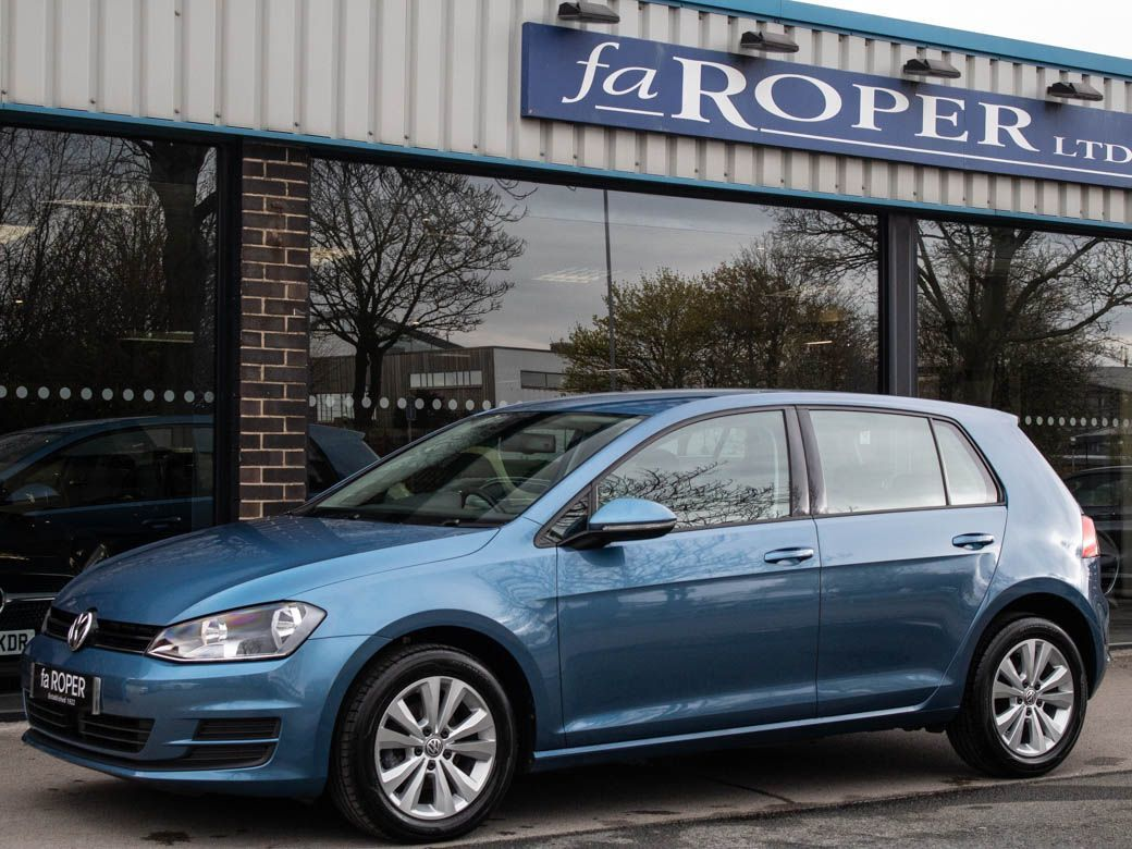 Volkswagen Golf 1.6 TDI 105 SE 5 door Hatchback Diesel Pacific Blue Metallic