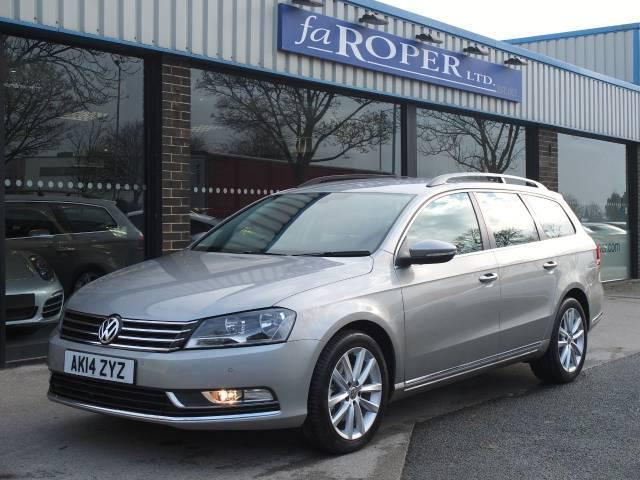Volkswagen Passat 2.0 TDI Bluemotion Tech Executive Estate +++Spec Estate Diesel Grey