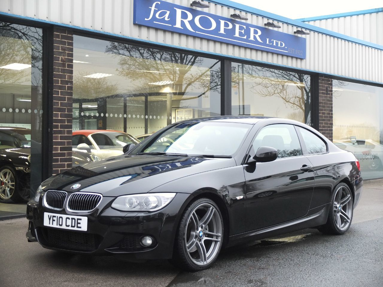 BMW 3 Series 3.0 325d M Sport Coupe 2dr Automatic +++Spec Coupe Diesel Black Sapphire MetallicBMW 3 Series 3.0 325d M Sport Coupe 2dr Automatic +++Spec Coupe Diesel Black Sapphire Metallic at fa Roper Ltd Bradford