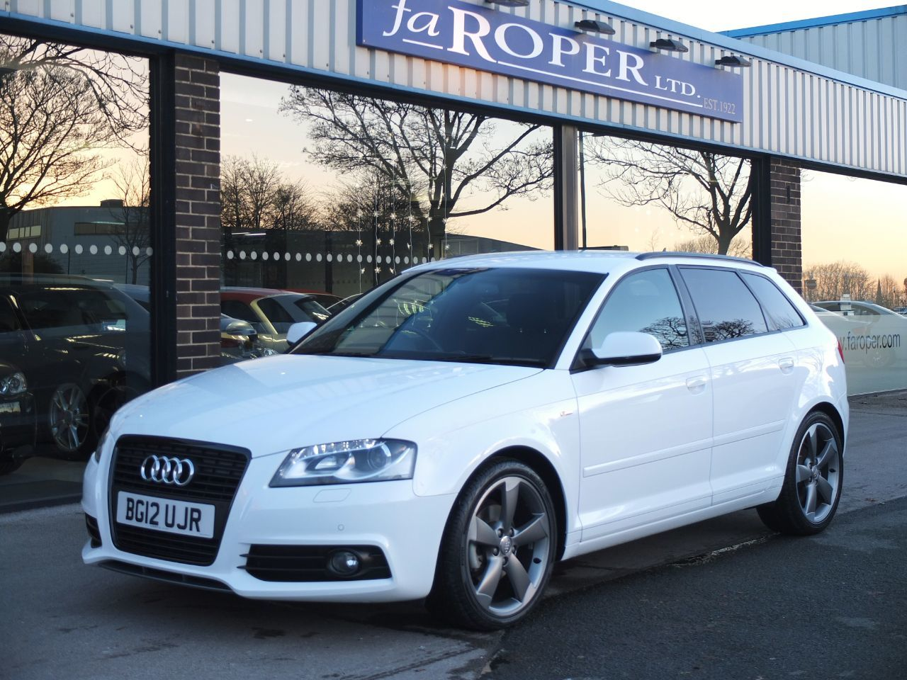 Audi A3 Sportback 2.0 TDI Black Edition S Tronic [Start Stop] Tech Pack +++ Spec 5 door Hatchback Diesel Ibis WhiteAudi A3 Sportback 2.0 TDI Black Edition S Tronic [Start Stop] Tech Pack +++ Spec 5 door Hatchback Diesel Ibis White at fa Roper Ltd Bradford