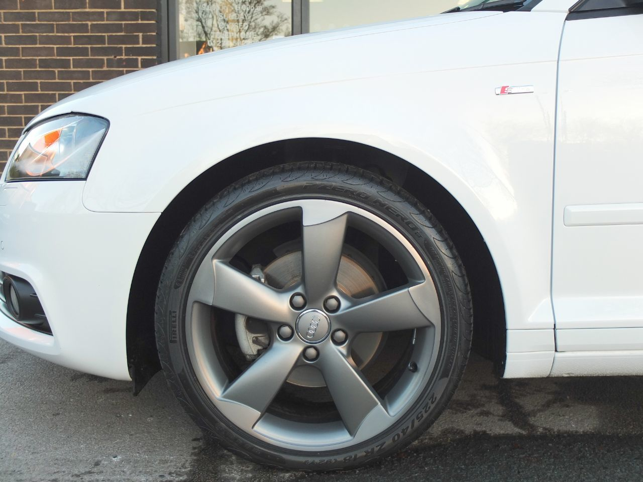 Audi A3 Sportback 2.0 TDI Black Edition S Tronic [Start Stop] Tech Pack +++ Spec 5 door Hatchback Diesel Ibis White