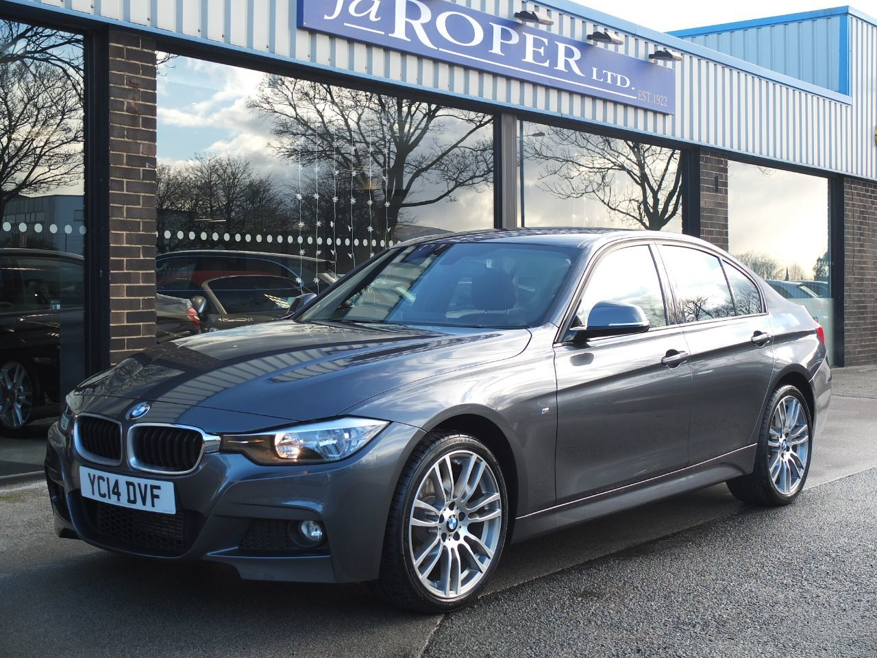 BMW 3 Series 2.0 320d xDrive M Sport Automatic, Media Pack Saloon Diesel GreyBMW 3 Series 2.0 320d xDrive M Sport Automatic, Media Pack Saloon Diesel Grey at fa Roper Ltd Bradford
