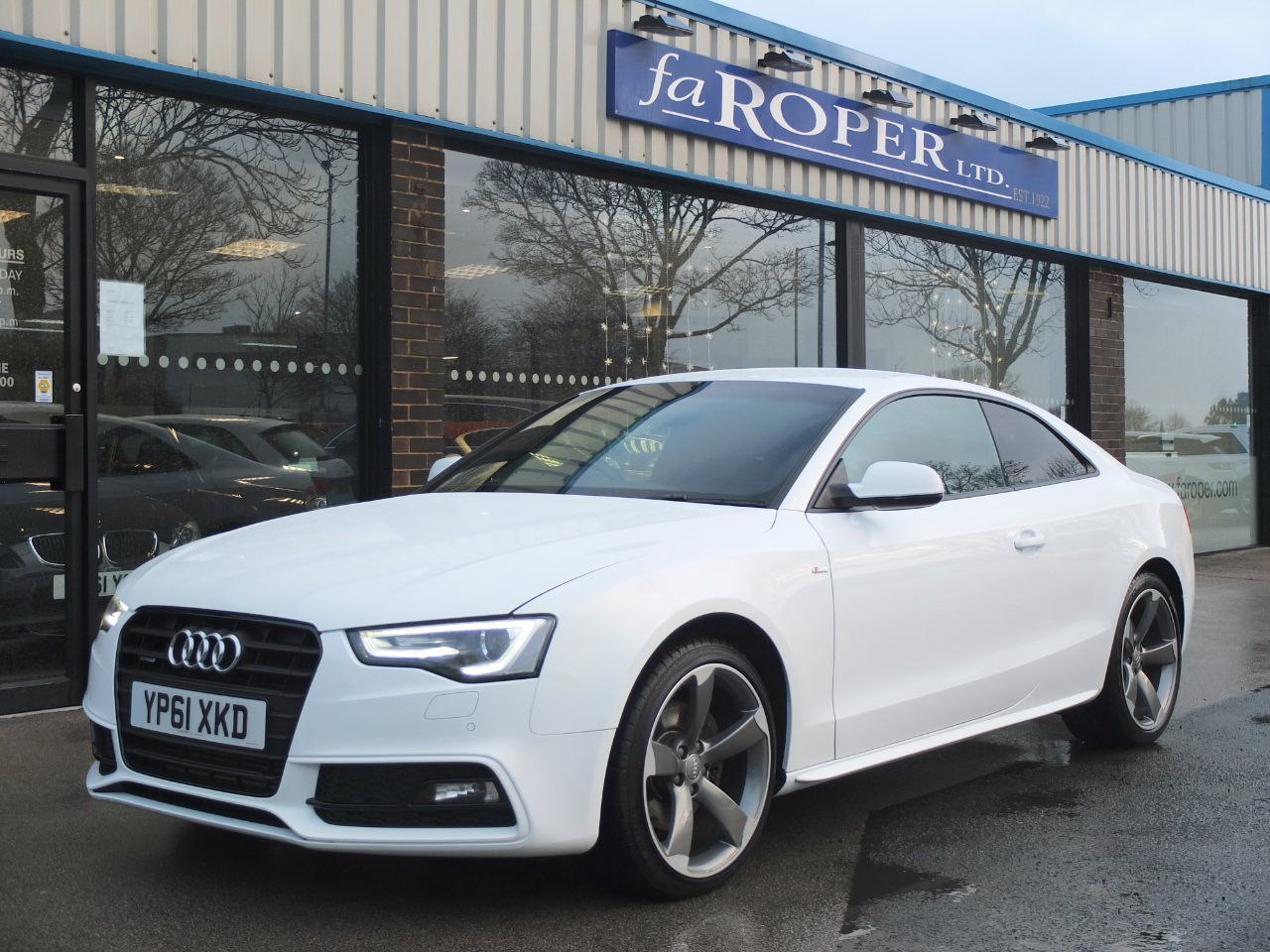 Audi A5 Coupe 3.0 TDI 245ps Quattro Black Edition S Tronic (Facelift Model) +++Spec Coupe Diesel Ibis WhiteAudi A5 Coupe 3.0 TDI 245ps Quattro Black Edition S Tronic (Facelift Model) +++Spec Coupe Diesel Ibis White at fa Roper Ltd Bradford
