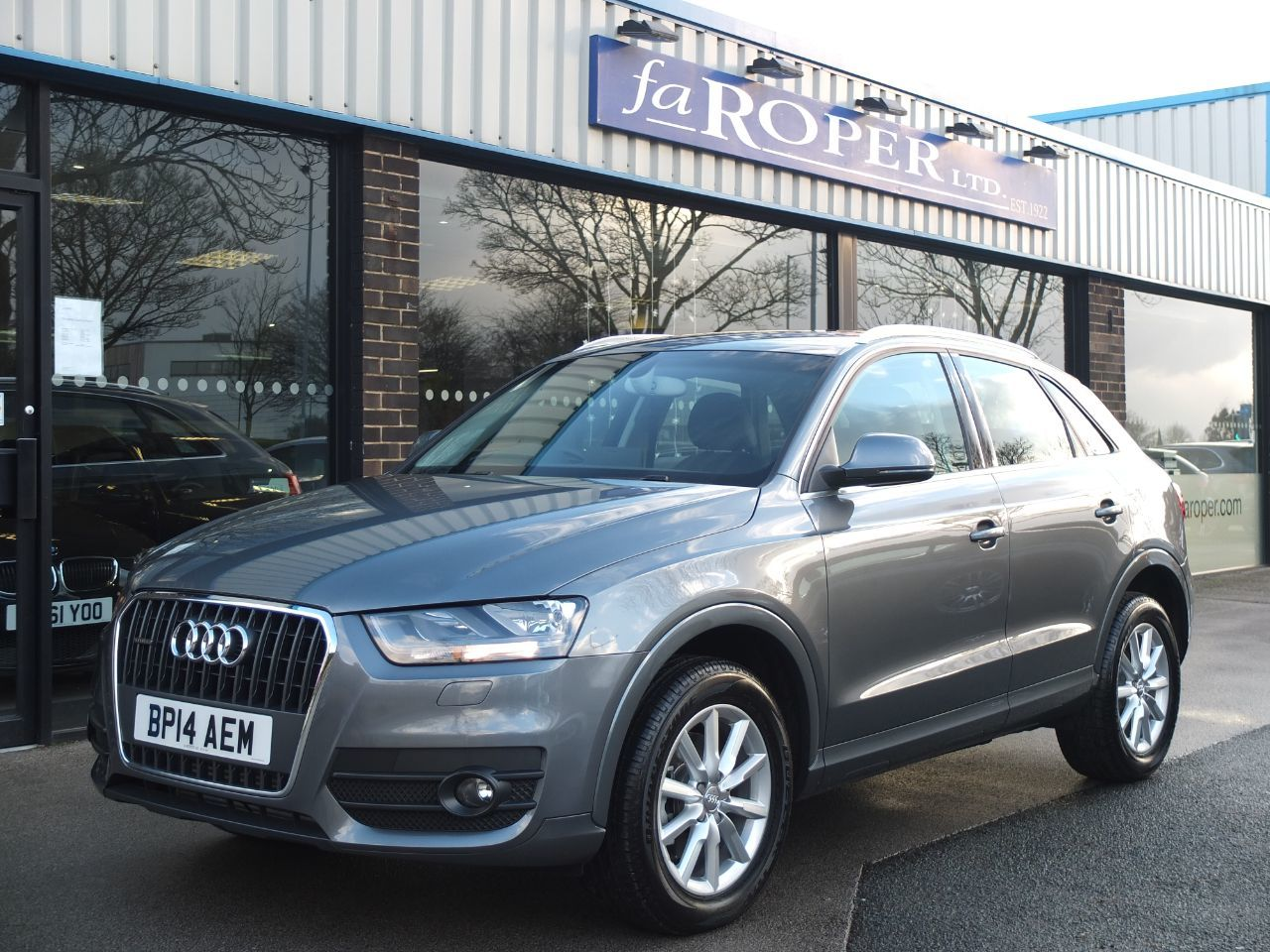 Audi Q3 2.0 TDI [177] Quattro SE 5dr S Tronic Estate Diesel Monsoon Grey MetallicAudi Q3 2.0 TDI [177] Quattro SE 5dr S Tronic Estate Diesel Monsoon Grey Metallic at fa Roper Ltd Bradford